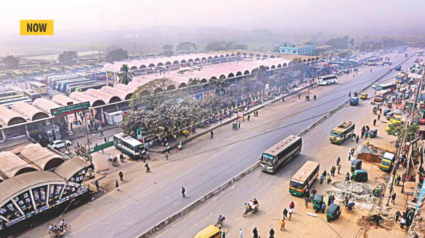 Traffic moving freely on Shyamoli-Aminbazar road in front of the capital's Gabtoli Inter-District Bus Terminal on Sunday, much to the relief of commuters. Photo: Amran Hossain, Rashed Shumon